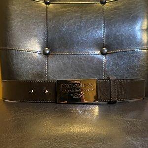 Dolce & Gabbana Belt. Brown Leather. Size 34.